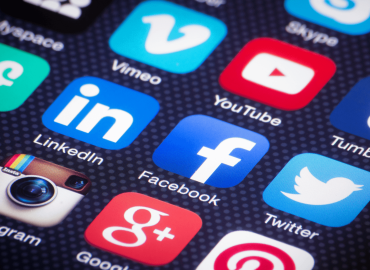 Social Media and it's effects on Mental Health